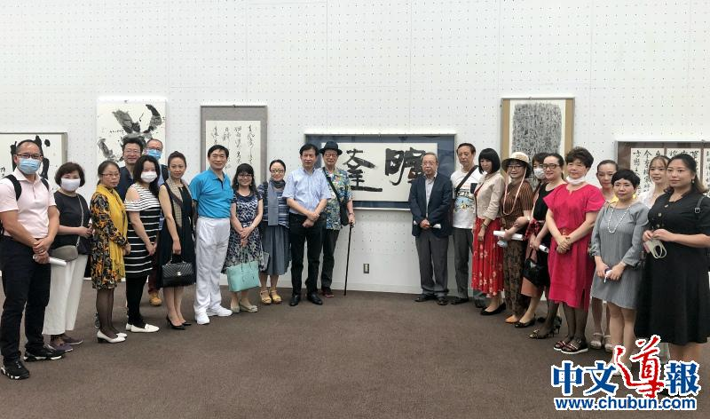 华人艺术作品成第37届产经国际书展新风景