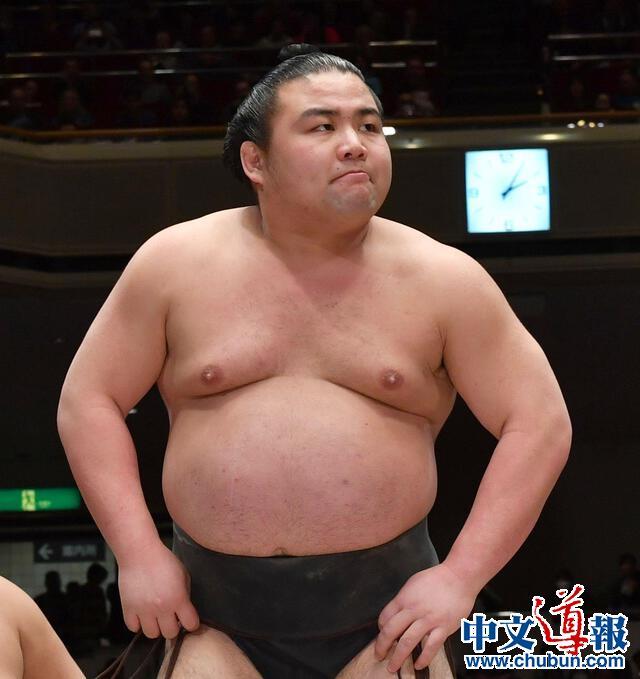 日本首位相扑选手因新冠肺炎去世 糖尿病成隐患