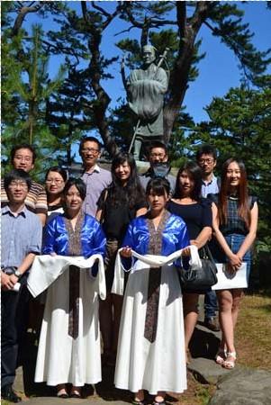 西施为媒 留学生与市民话友好
