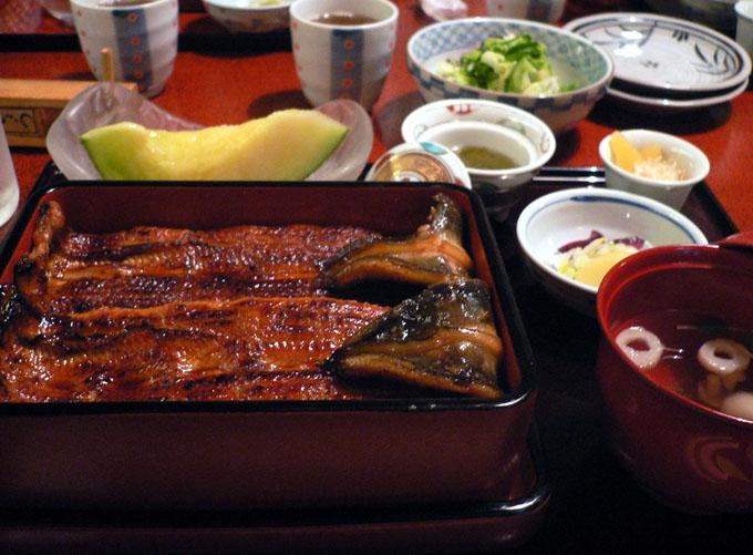 日本民众:中国产鳗鱼也吃不起了
